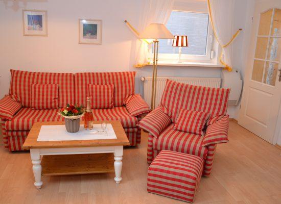 Das Appartement ist mit einer bequemen Sitzecke ausgestattet